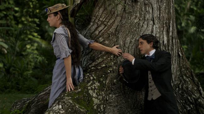 Giovanna Mezzogiorno e Javier Bardem nel film L'amore ai tempi del colera del 2007