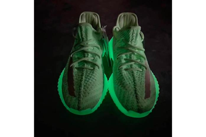 Suola fosforescente YEEZY boost 350 v2 Glow-In-The-Dark