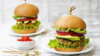 Hamburger di ceci con salsa