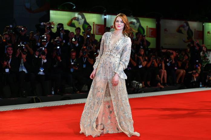 Emma Stone sul red carpet di Venezia 75