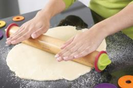 Mattarello tradizionale in legno per la pasta fresca