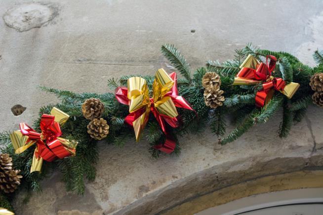 Ghirlanda natalizia da porta d'ingresso