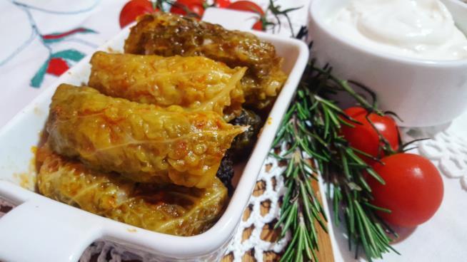 Piatto con rotolini di verdura