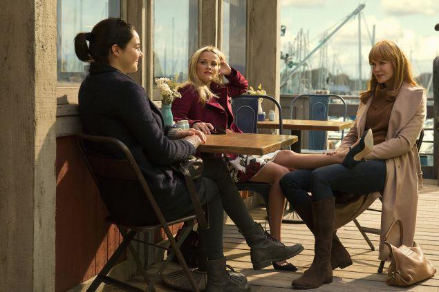 Una scena di Big Little Lies con Shailene Woodley, reese Whiterspoon e Nicole Kidman