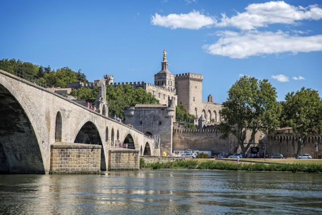 """Il ponte """"rotto"""" di Avignone"""