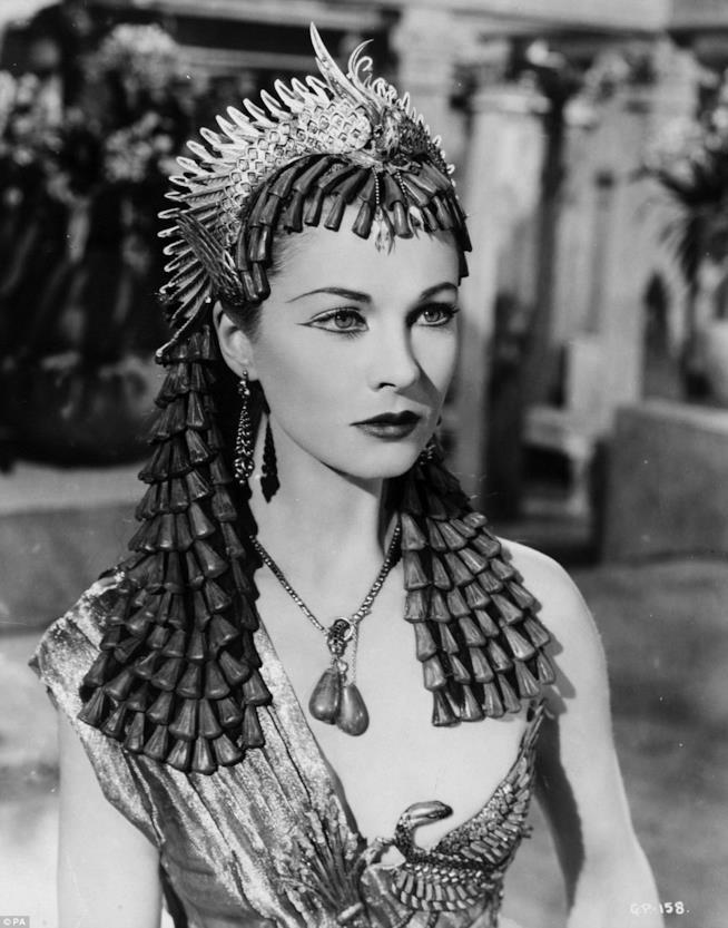 Vivien Leigh interpreta Cleopatra