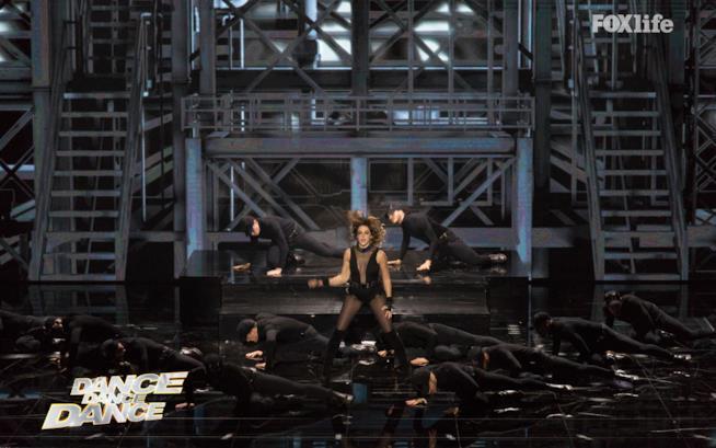 Claudia Gerini, esibizione semifinale Dance Dance Dance 2
