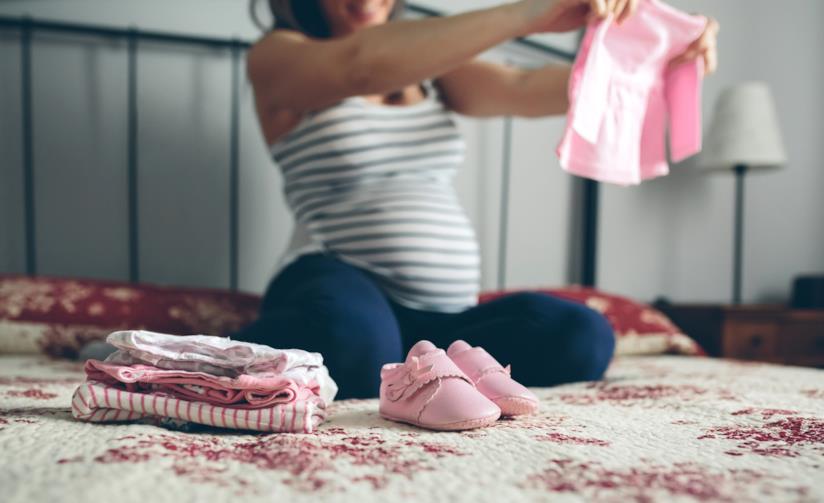 Vestiti per la neonata