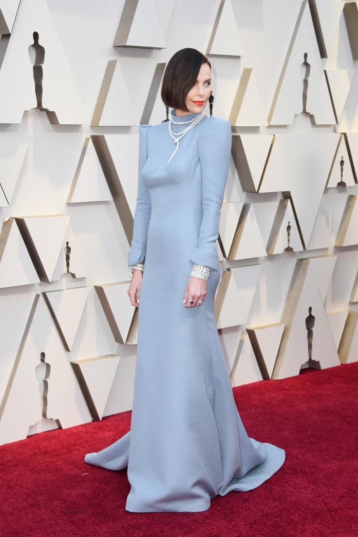 Charlize Theron sul red carpet degli Oscar