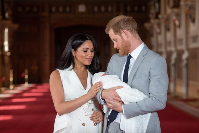 Harry e Meghan presentano Archie