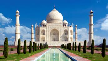 Veduta del Taj Mahal ad Agra in India