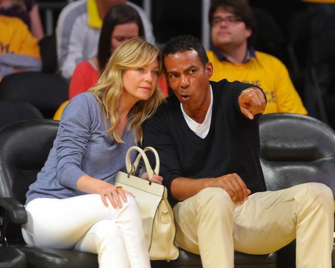 Un'immagine di Ellen Pompeo e suo marito durante un evento