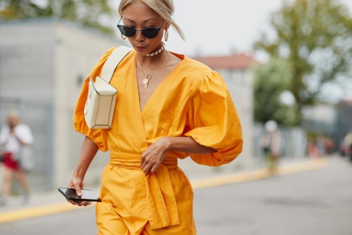 Outfit casual per la sera color senape