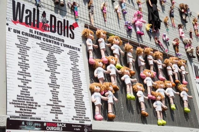 Il Wall of Dolls