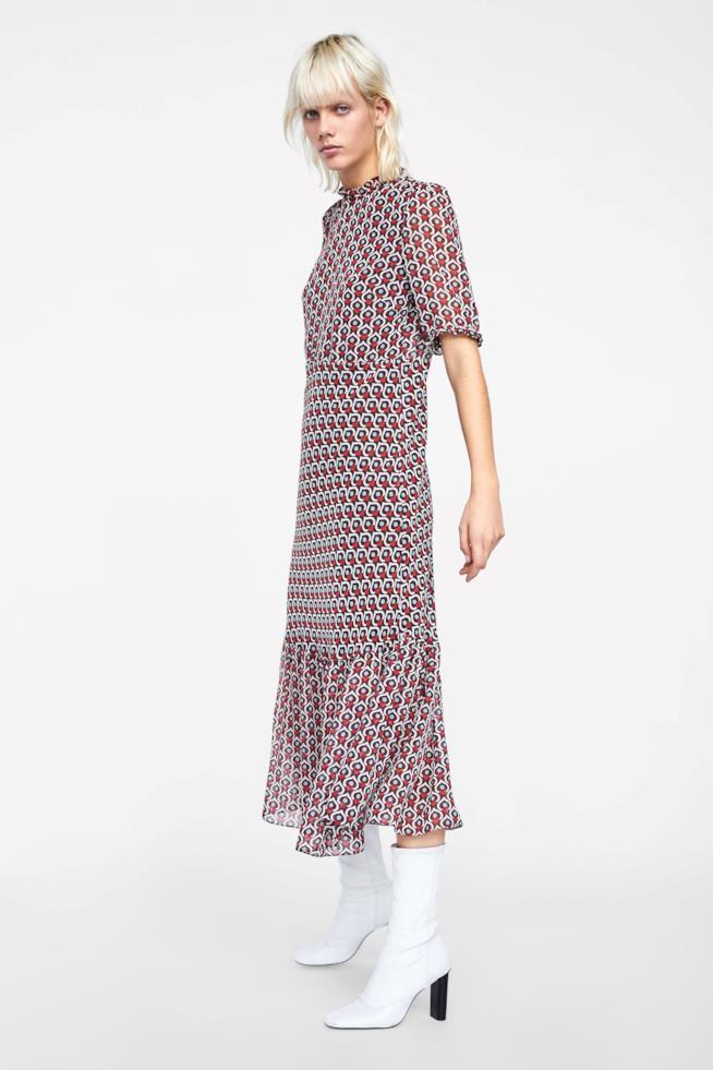 Vestito di Zara con stampa a cuori con collo rotondo e manica corta  rifinita con volant 62f1407d5ed