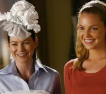 Meredith e Izzie in un episodio di Grey's Anatomy