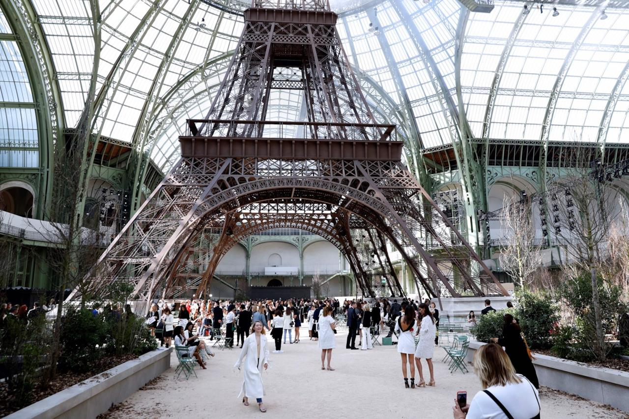 La Tour Eiffel, una parte dell'allestimento della sfilata