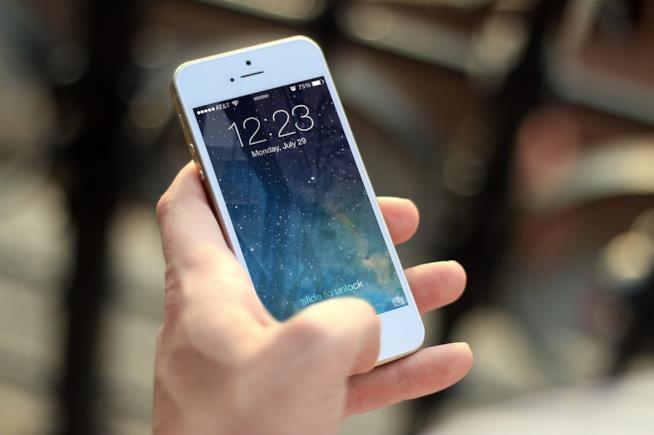 I giovani si affidano alla tecnologia per trovare l'amore