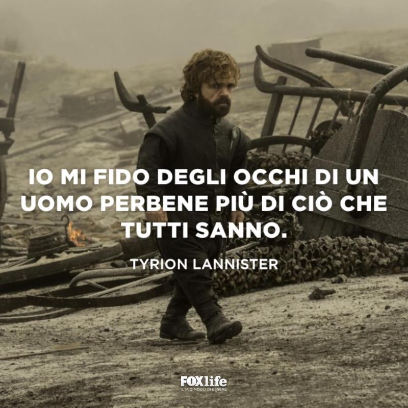 Tyrion cammina tra le macerie