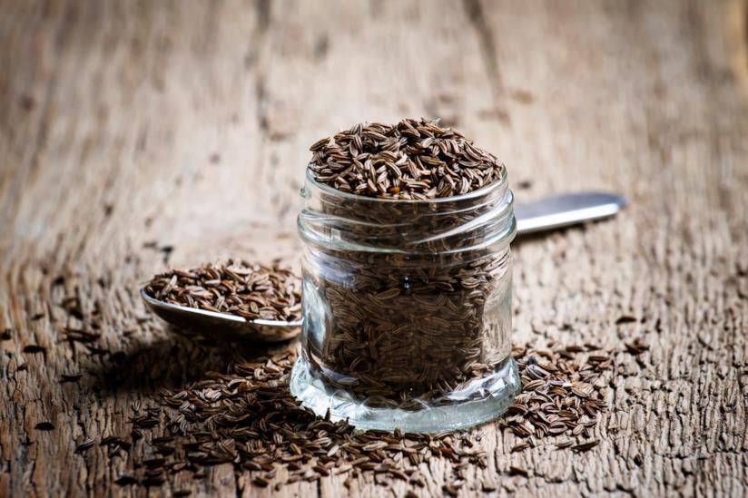 Barattolo con semi di cumino