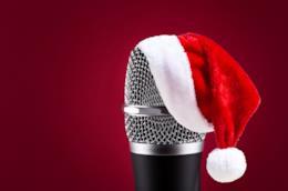 Microfono e cappellino di Natale