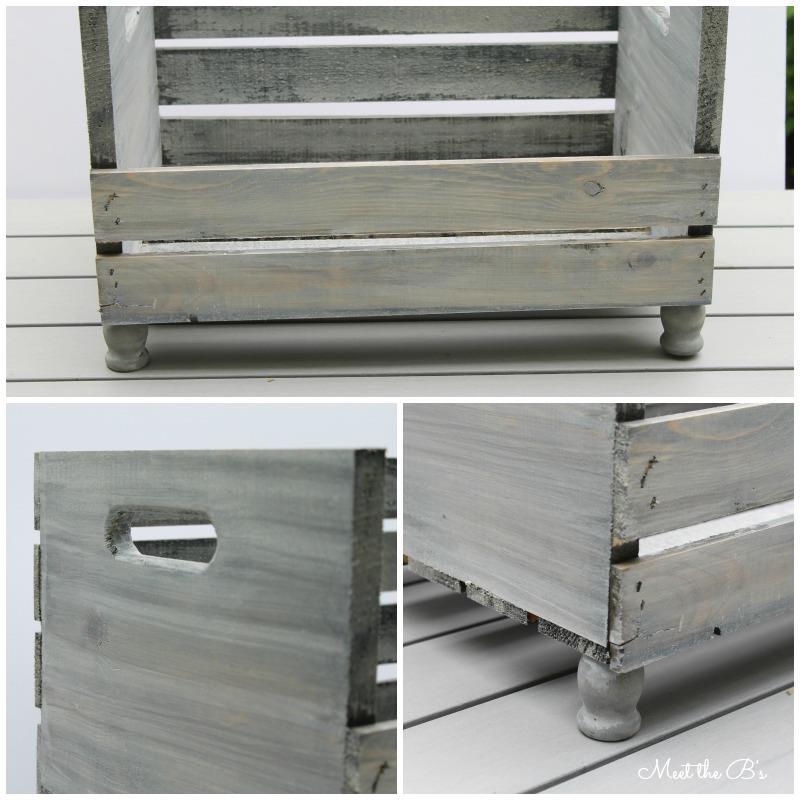 La cassa di legno con i portacandele usati come piedini montati
