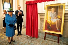 Le borse iconiche della regina Elisabetta