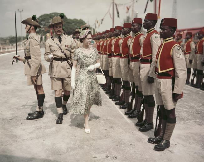 La Regina Elisabetta in un viaggio di stato in Nigeria