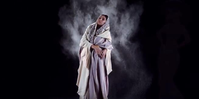 La principessa Jasmine con abiti storici