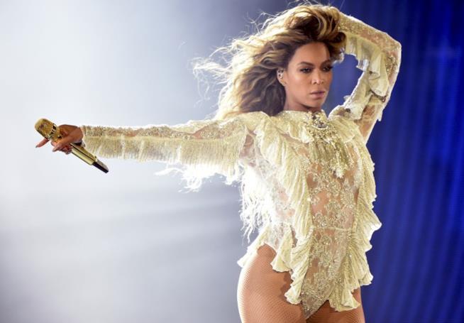 La cantante Beyoncé icona fashion