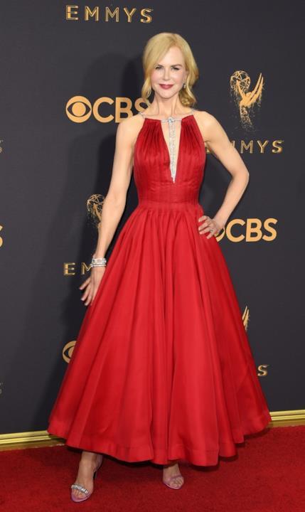 Nicole Kidman in abito rosso agli Emmy 2017