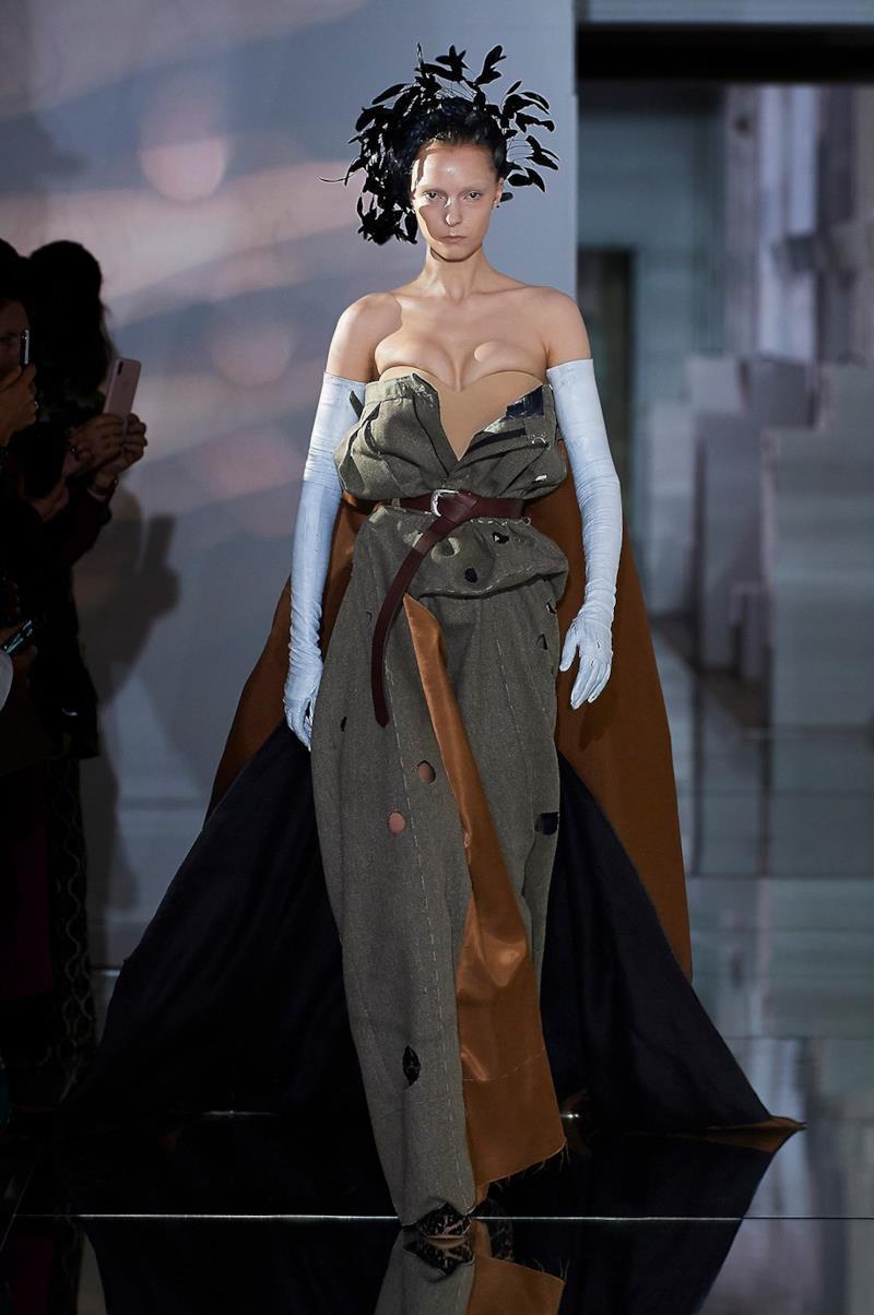 Sfilata MAISON MARGIELA Collezione Alta moda Autunno Inverno 19/20 Parigi - Margiela PO HC RF19 0010