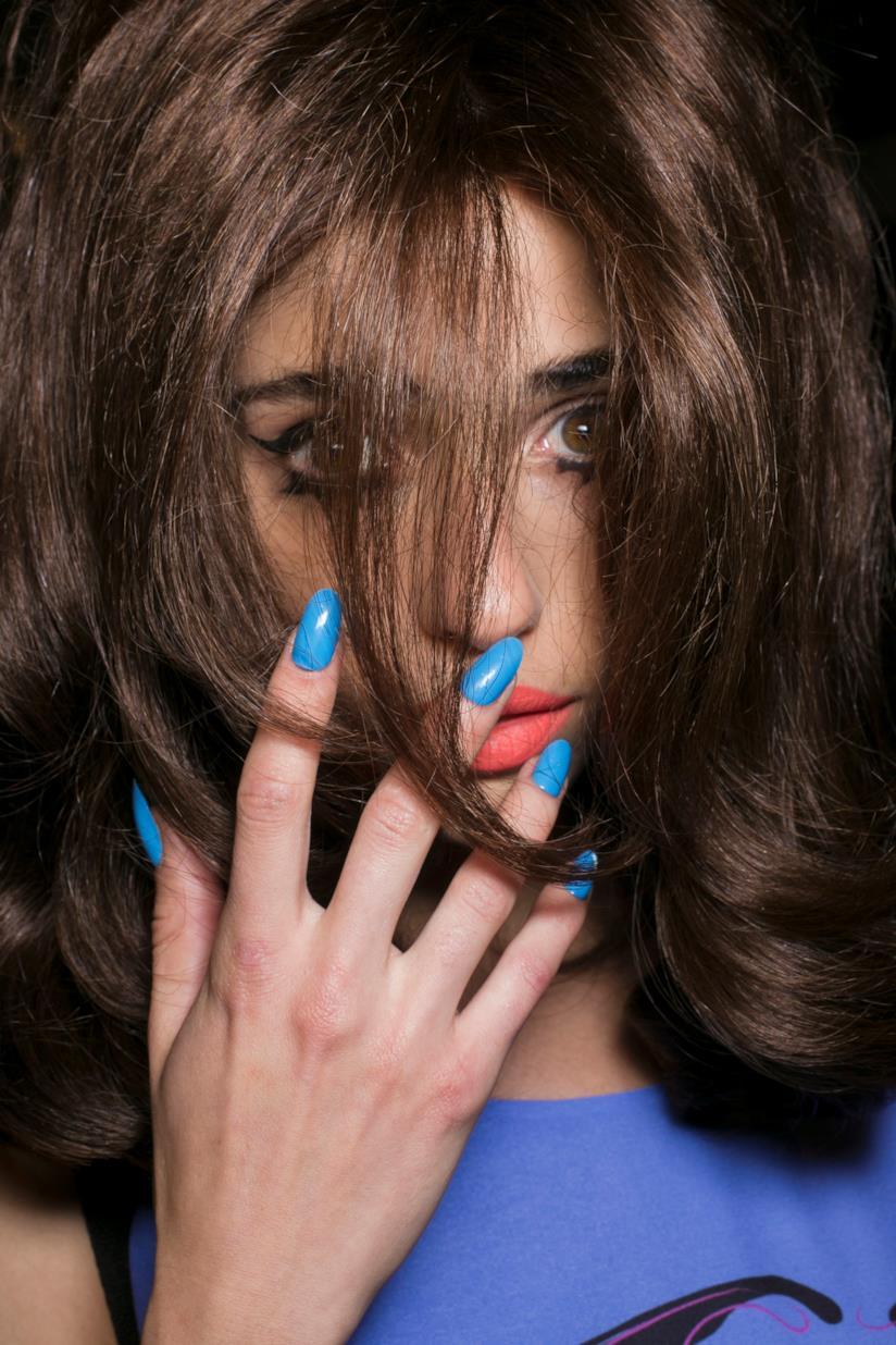 Nail art unghie gel blu