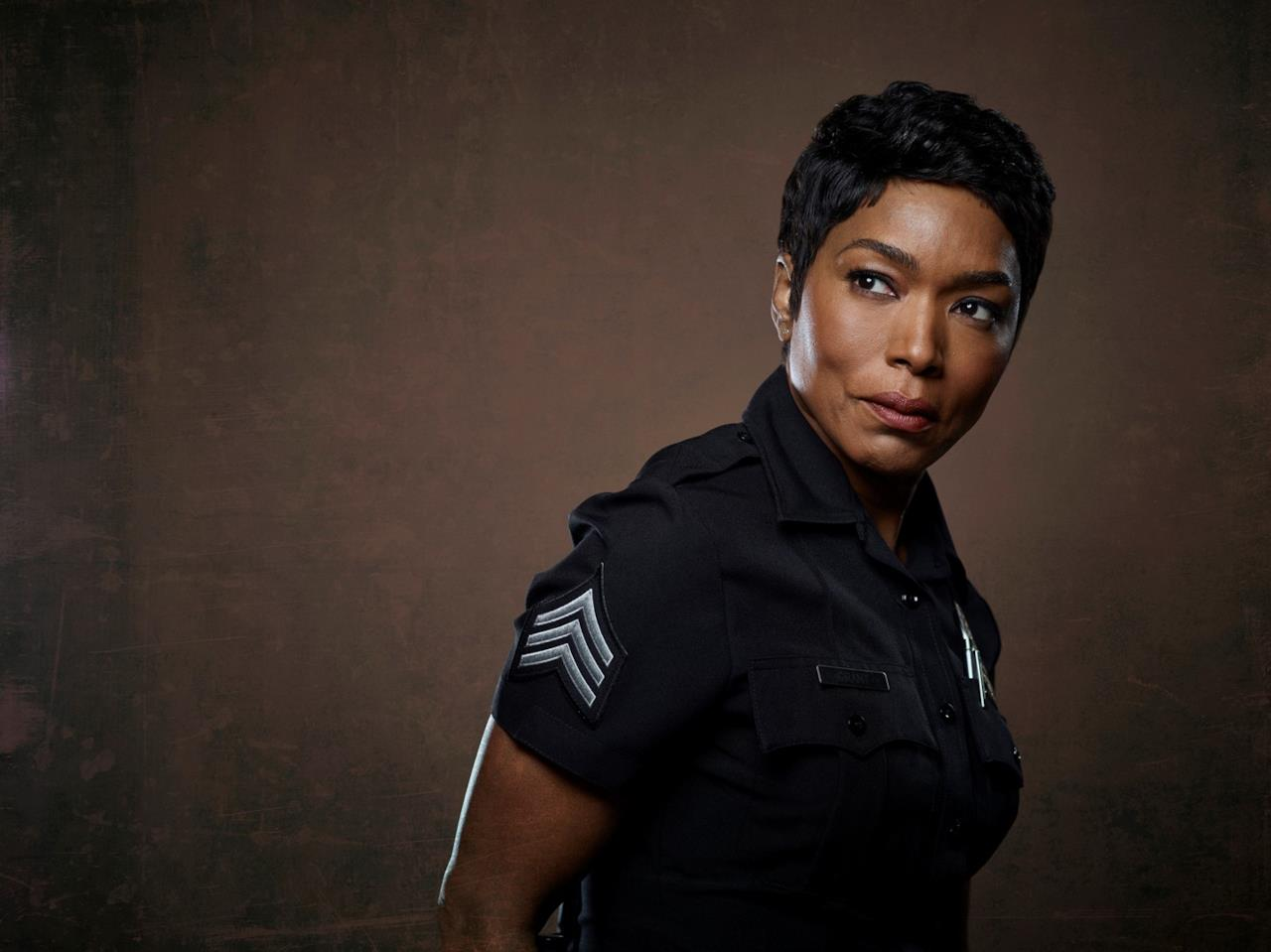 9-1-1 911 Angela Bassett è Athena Grant 2