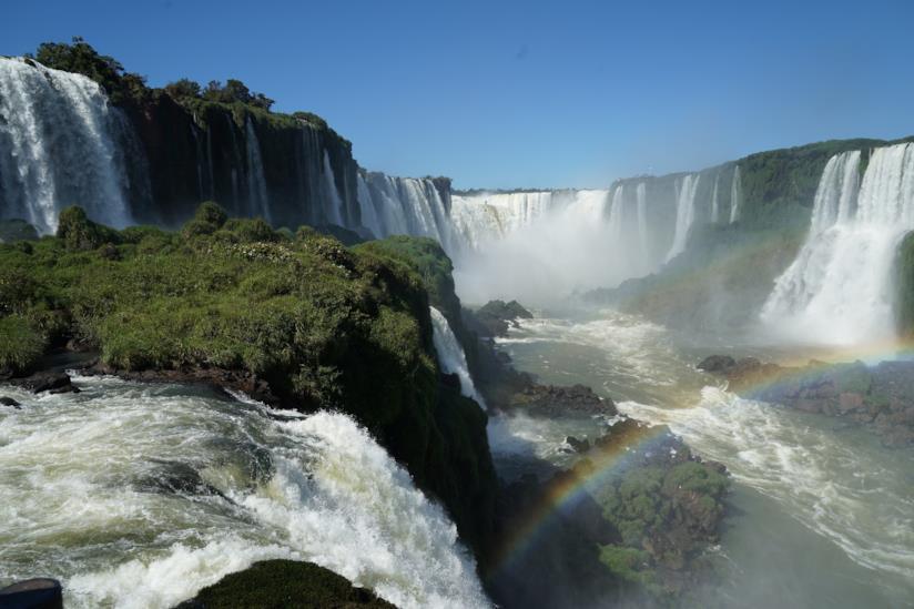 Le possenti cascate di Iguazù