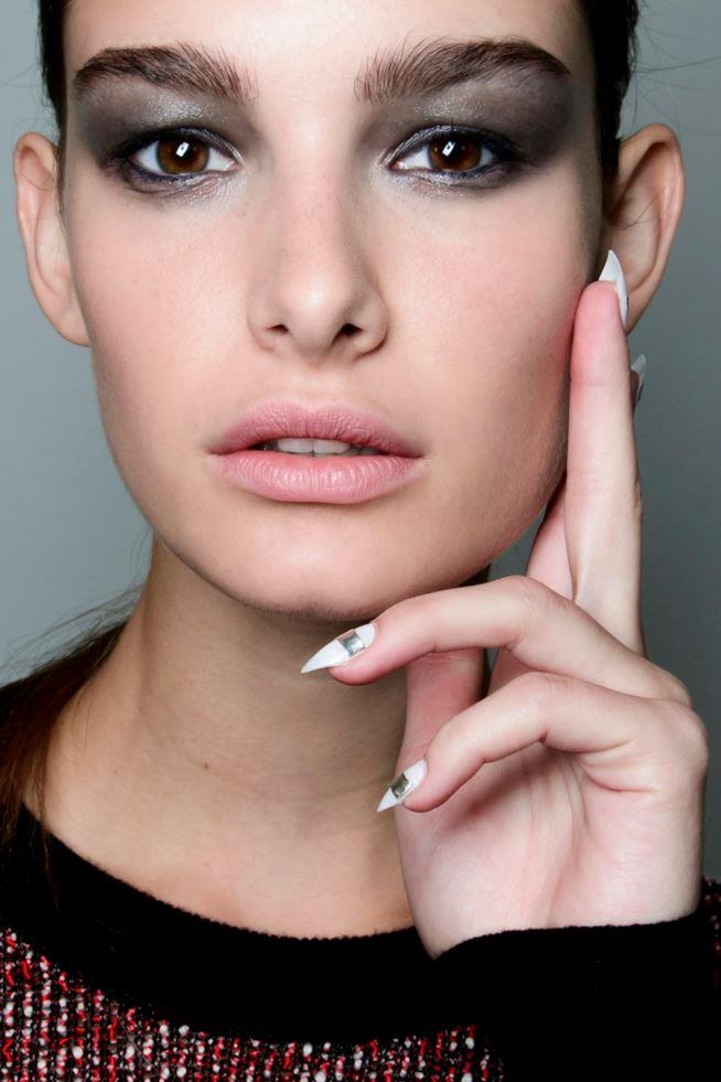 Manicure unghie a stiletto