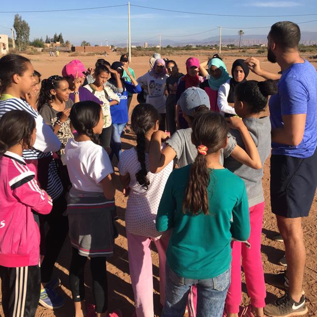 Ragazze nel deserto con Project Soar