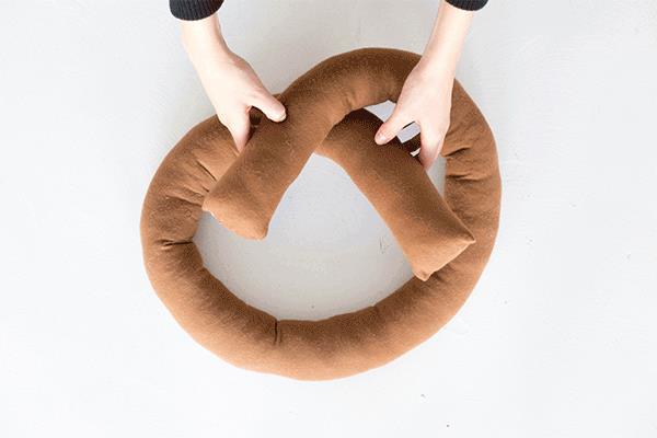 Procedura per dare la forma al cuscino