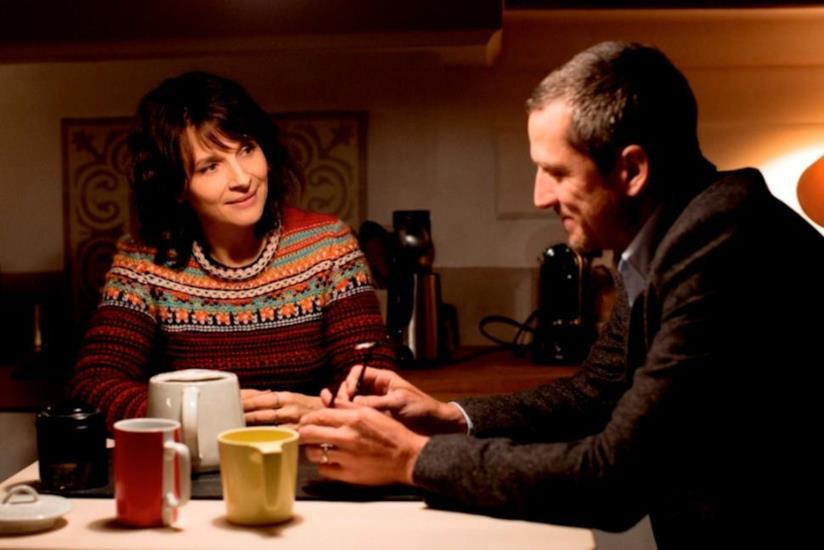 Guillaume Canet, Juliette Binoche in una scena di Double Vies