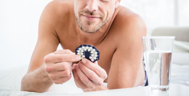 Esisterà davvero una pillola anticoncezionale maschile?