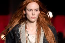 Rosso rame: il colore per i capelli di tendenza