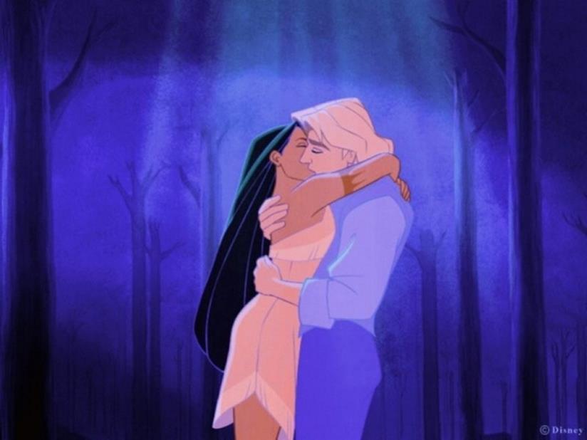 Pocahontas mentre bacia l'uomo che ama