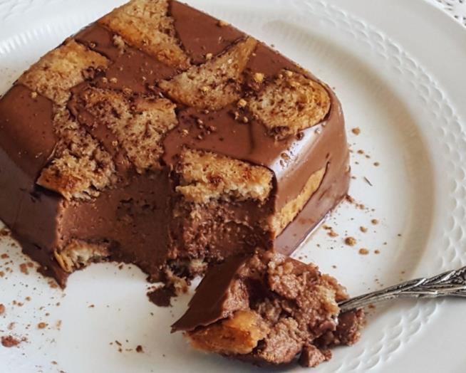 Dessert al cucchiaio con cioccolato