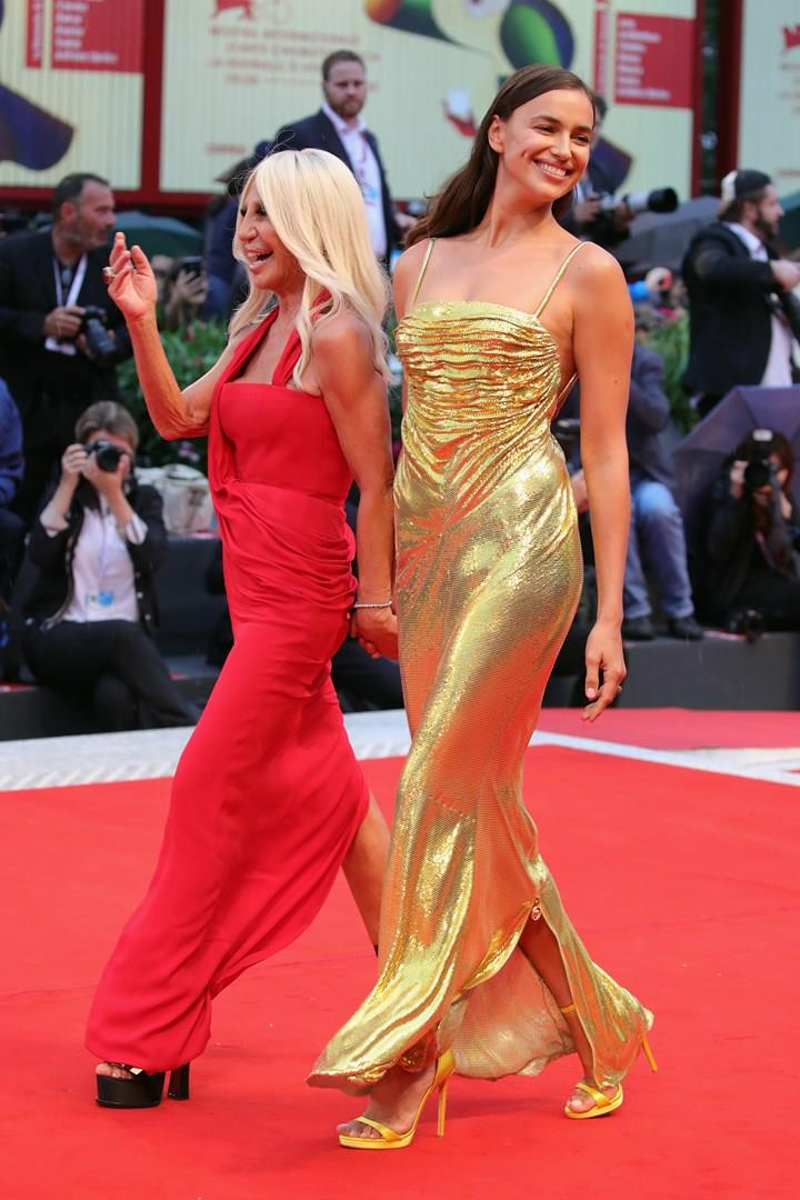 Irina Shayk e Donatella Versace a Venezia 75 sul red carpet