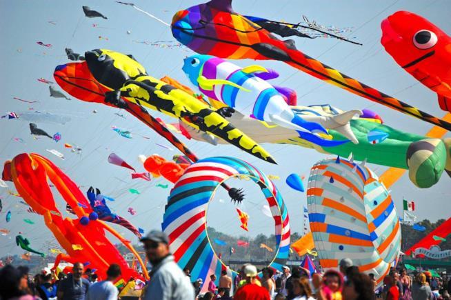 Ponte del 25 Aprile vacanze: Cervia: festival internazionale degli aquiloni