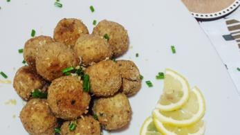 Piatto di pesce e limone