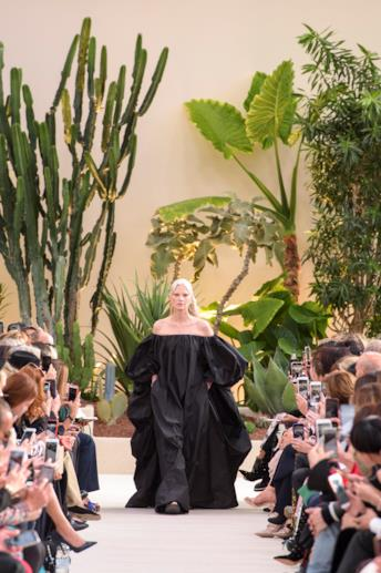 Sfilata VALENTINO Collezione Donna Primavera Estate 2019 Parigi - 1