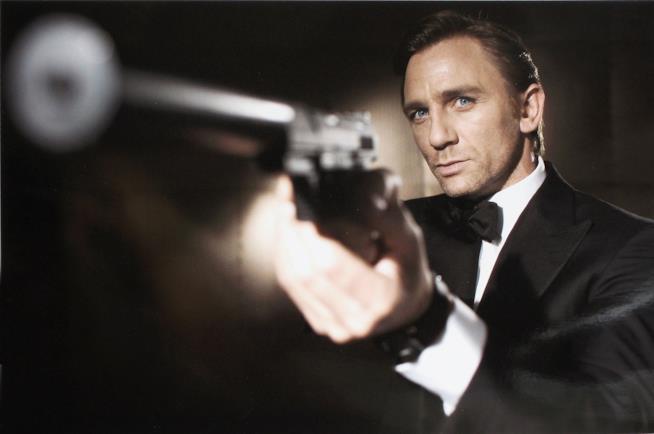 Danny Boyle non dirigerà più 007