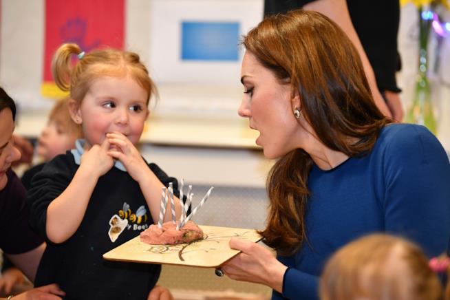 Kate Middleton e una bambina