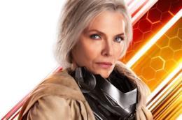 Michelle Pfeiffer col costume di The Wasp